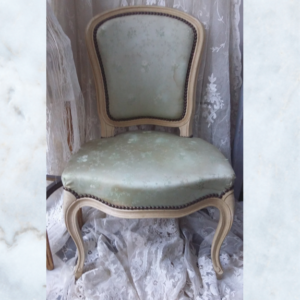 French 1900s pair of french silk brocade chairs
