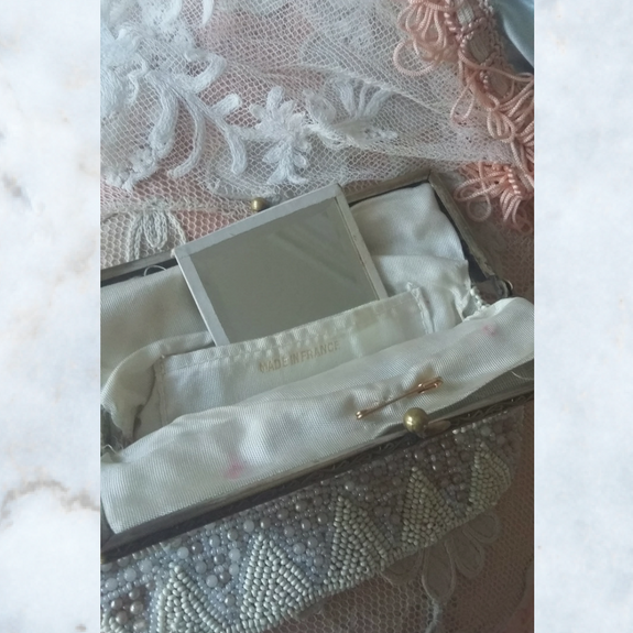 vintage pearl beaded purse