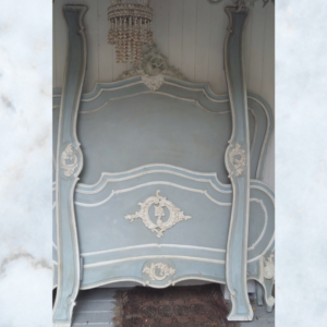 French louis bed