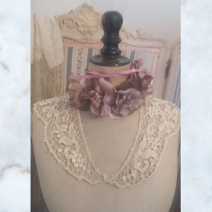 cutwork collar