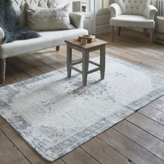 Jeanne d'Arc Living dusty flower carpet rug