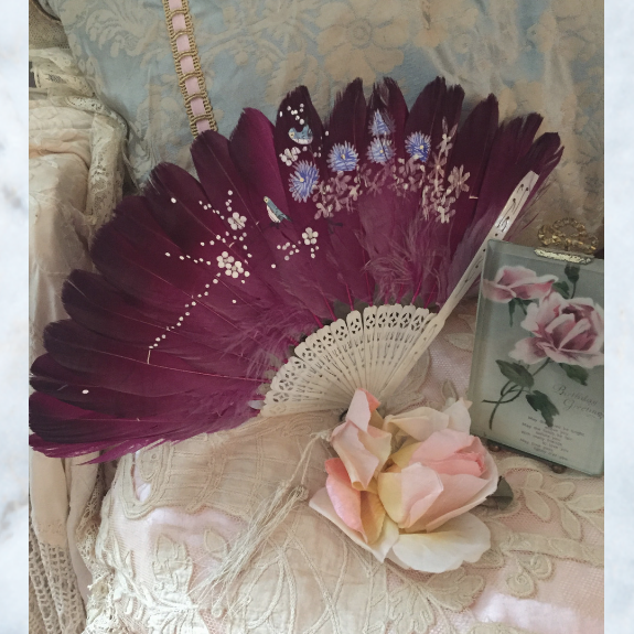 Antique chinoiserie feather hand fan