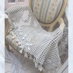 Vintage French crochet rose pelmet