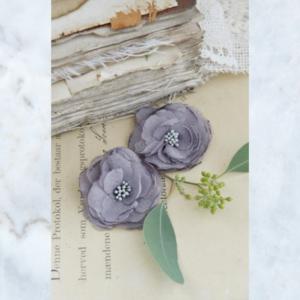 Jeanne d'Arc Living fabric flowers grey